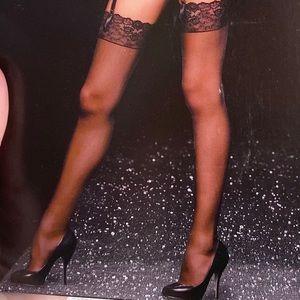 Victoria's Secret M WHITE Lace Top Thigh High Hose